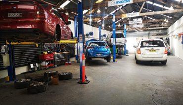 All makes & models car mechanics service & repairs Rosebery.